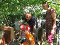 3. Juli 2014: Kita Stadtindianer besucht den Imker