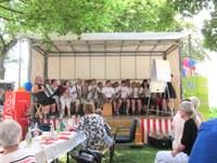9. Juli 2016: Farbtöne spielen beim Mieterfest