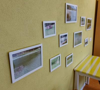 Wand-Galerie in der Cafeteria
