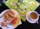 mit Frühstücksbuffet