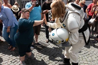 Astronauten finden Freunde